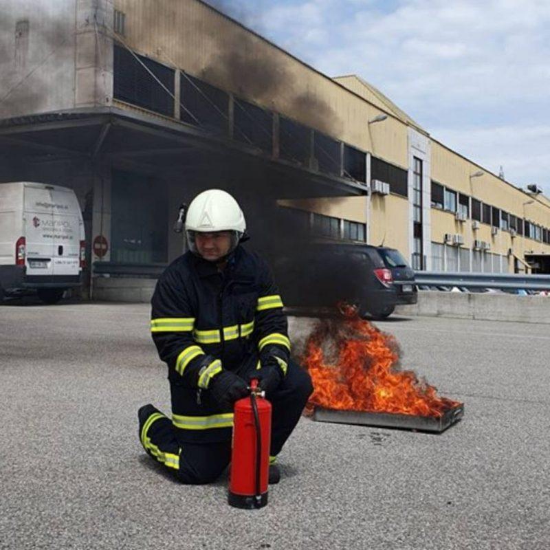 Gašenje začetnih požarov in izvajanje evakuacije (G+E) – usposabljanje odgovornih oseb